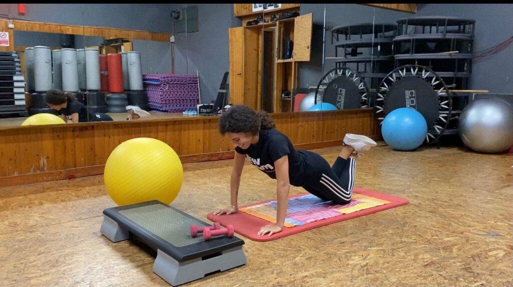 Silvia Bechini nella palestra dove tiene i suoi corsi di sport e salute